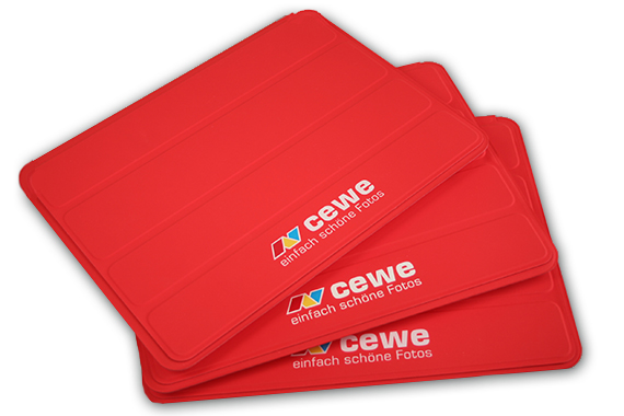 apple-ipad-smart-cover-branding-logo-aufdruck-cewe