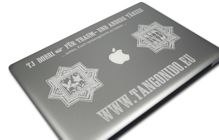 apple-mac-macbook-pro-air-laser-engraving-engraved-tattoo-gravur-gravieren-graviert-personalisiert-www-tangonido-eu-tanz-dance-feel-free-fun