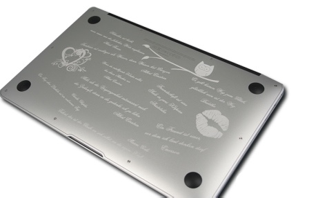apple-mac-macbook-pro-air-laser-engraving-engraved-tattoo-gravur-graviert-gravieren-sprueche-zitate-claims-quotes-kiss-kuss-eule-owl-heart-herz-cute-special